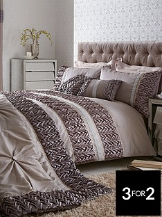 mia-duvet-cover-set