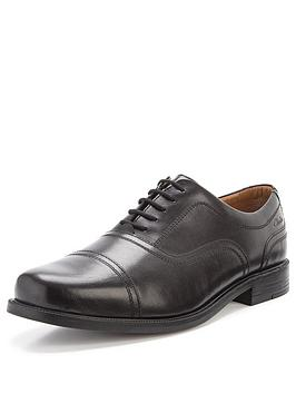 clarks-beeston-cap-lace-up-standard-fit-shoes