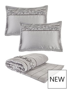 franchesca-bedspread-throw-and-pillow-shams-set