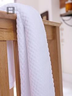 clair-de-lune-honeycomb-blanket