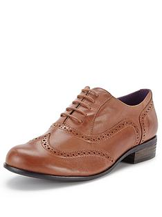 clarks-hamble-oak-leather-tan-brogues