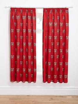 arsenal-bullseye-pleated-curtains