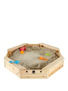 plum-treasure-beach-wooden-sand-pit