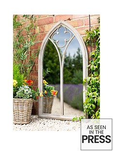 la-hacienda-cathedral-garden-mirror