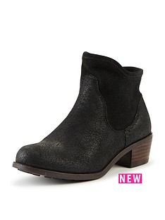ugg-australia-girls-penelope-boot