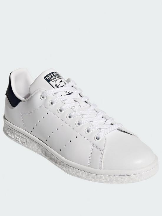 new product 48a27 db9bf Stan Smith Trainers - White/Navy