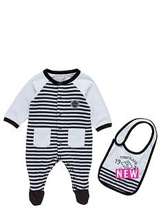 timberland-timberland-baby-sleepsuit-amp-bib-gift-box