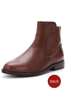 lacoste-rosolinn-ankle-boot