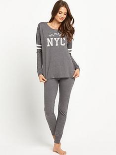 tommy-hilfiger-penne-long-sleeved-pyjama-lounge-set