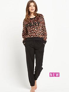 dkny-leopard-fleece-top-and-black-pants