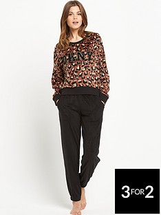 dkny-leopard-fleece-top-and-black-pants