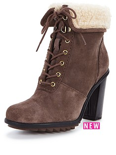 clarks-keswick-film-taupe-lace-up-ankle-boot