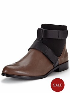 clarks-bizzy-show-ankle-boot