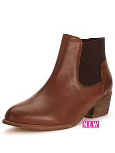 shoe-box-pia-leather-low-heel-elastic-boot