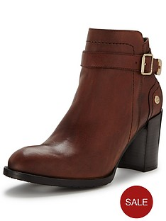 tommy-hilfiger-heeled-leather-ankle-boot