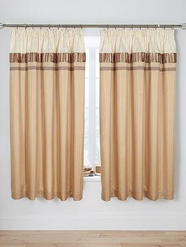 velvet-panel-gold-pleated-curtains