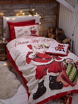catherine-lansfield-retro-santa-christmas-duvet-cover-set