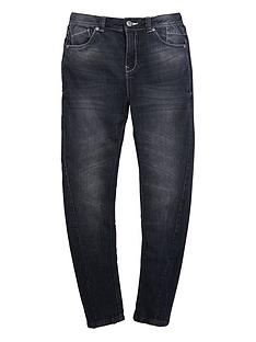 demo-slim-twisted-jean