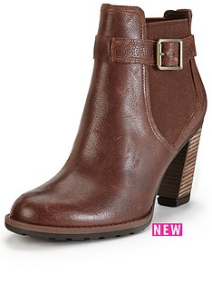 timberland-stratham-heights-double-gore-chelsea-ankle-boot