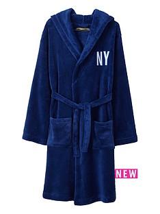 demo-graphic-super-soft-robe