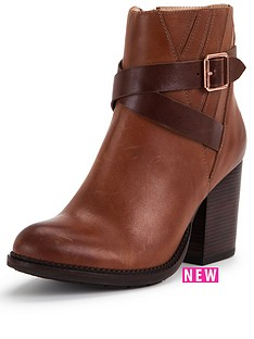 hush-puppies-hush-puppies-darby-dewey-leather-strap-ankle-boot