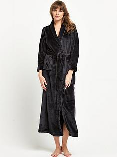 definitions-lounge-defintions-luxury-robe