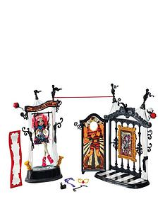monster-high-freak-du-chic-circus-scaregrounds-rochelle-goyle-doll-accessory
