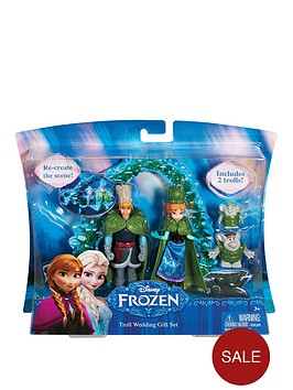 disney-frozen-small-doll-wedding-giftset