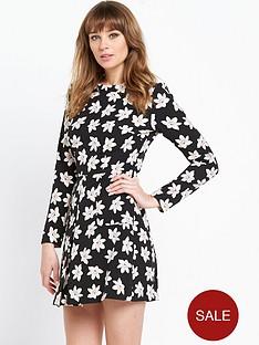 v-by-very-printed-60s-dress