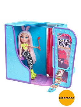 bratz-photobooth-playset-with-doll