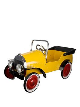great-gizmos-classic-pedal-car-yellow