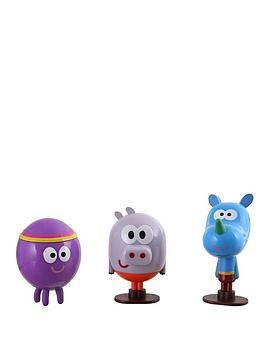 hey-duggee-set-of-3-figurines-with-badges-roly-tag-and-betty