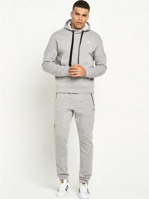 Stand out in style with adidas TRACKSUITS FOR MEN. Click now to find your favourite adidas TRACKSUIT. Tops, bottoms & more in the Official adidas Online Store.