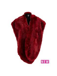jayley-oversized-faux-fur-collar