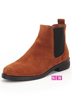 river-island-river-island-flat-chelsea-boot-w-gold-rand-amp-buckle