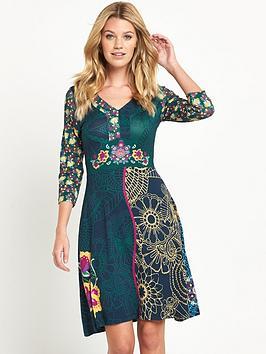 joe-browns-the-utopia-dress