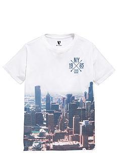 v-by-very-boys-skyscraper-sub-t-shirt
