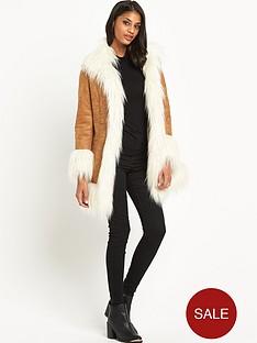 glamorous-faux-fur-coat