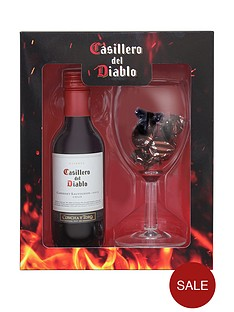 casillero-del-diablo-casillero-del-diablo-red-wine-amp-chocolates-set