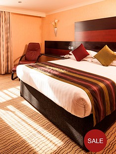virgin-experience-days-one-night-break-with-dinner-for-two-at-the-chester-abbots-well-hotel