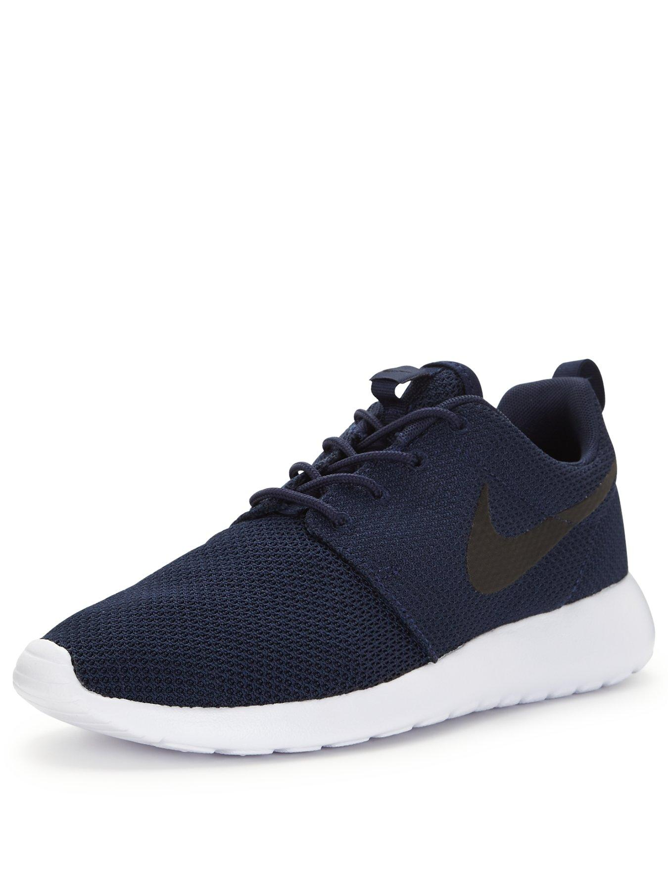 casual nikes