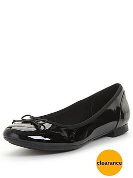 clarks-couture-bloom-ballerina-flat-shoe