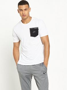 nike-reflective-pocket-t-shirt