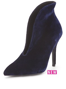 paper-dolls-velvetnbspgap-curve-heeled-boot