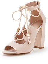 Feathers Ghillie Tie Block Heel Tassel Sandal Nude