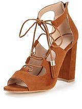 Feathers Ghillie Tie Block Heel Tassel Sandal Tan