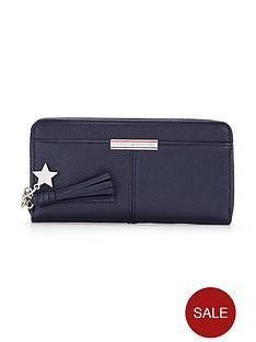 tommy-hilfiger-leather-zip-around-purse