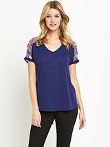 SPLIT WOVEN BACK TOP