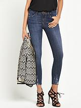 Skinny Jeans With Distressed Hems