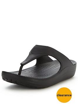 crocs-sloane-platform-flip-flop
